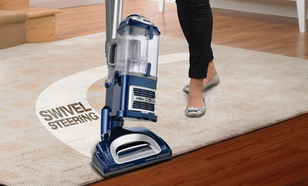 Best Shark Vacuum Cleaners (Comparison & Reviews)